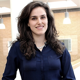 portrait photograph of Roxana Ghiassi