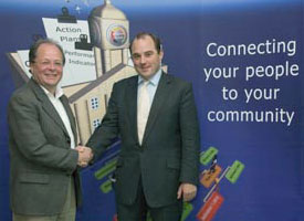 Lancaster and Wyre MP Ben Wallace congratulates Mark Robinson of Escendency (Photo Courtesy of Boswell Photographic)