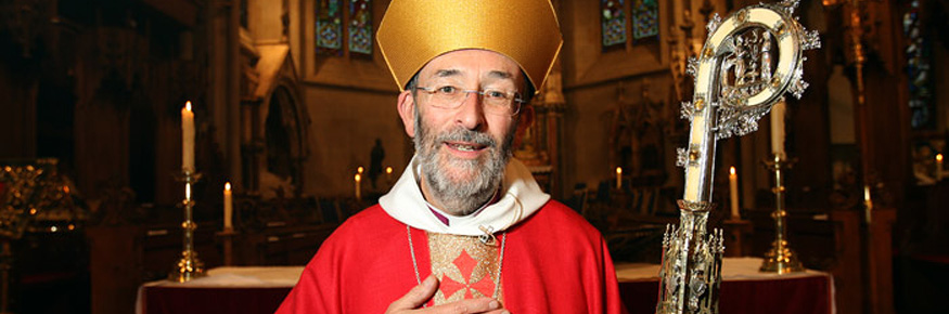 Dr Nigel Peyton Elected Bishop - Dr Nigel Peyton taking up his new role